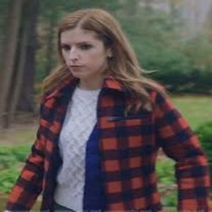 Anna_Kendrick_Darby_Love_life_Red_Checked_Jacket