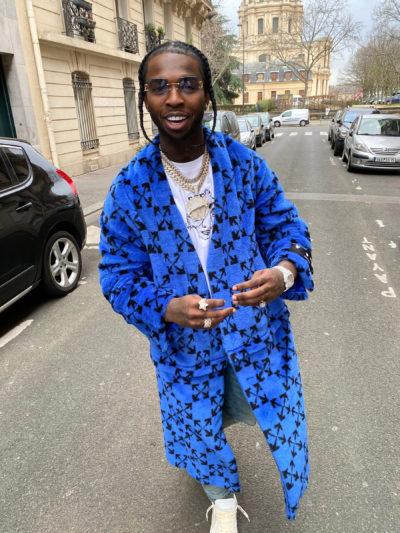american rapper pop smoke blue coat