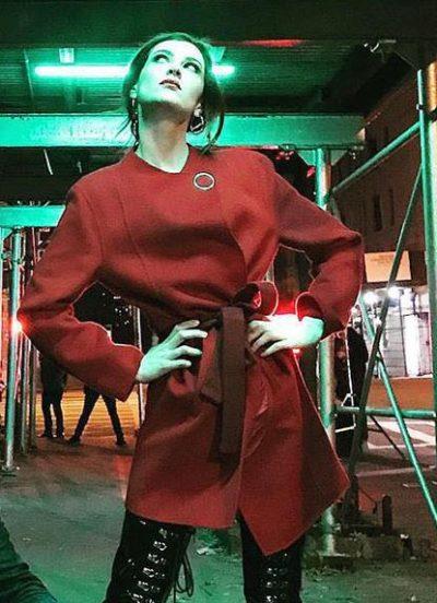 bonding season 02 tiff red coat