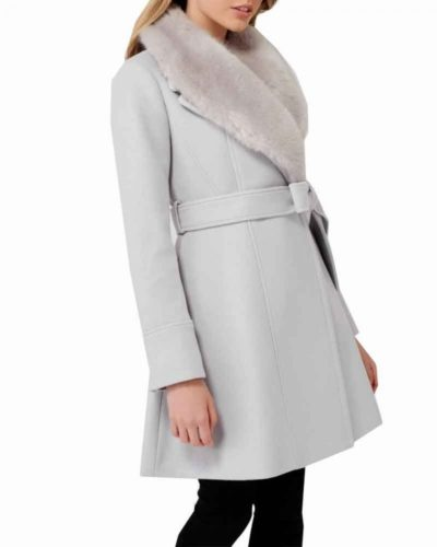 bess marvin nancy drew maddison jaizani white coat