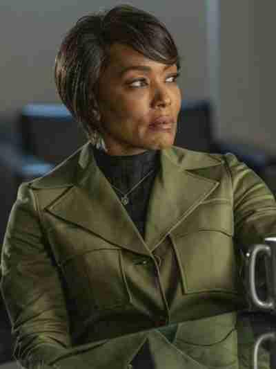 9-1-1 S04 Athena Grant Green Coat