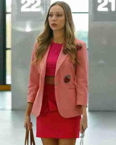 elite short stories 2021 carla roson pink coat