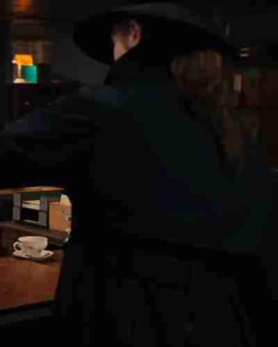 gunpowder milkshake karen gillan coat