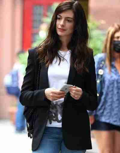 WeCrashed 2022 Anne Hathaway Black Blazer