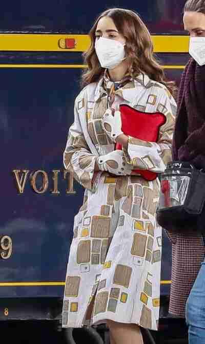 Emily In Paris S02 Lily Collins Cream Coat