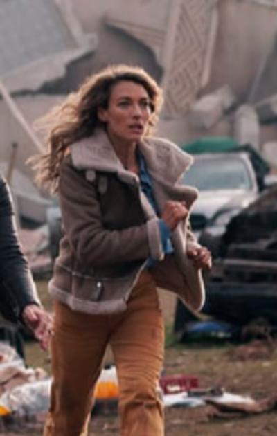 LA BREA Natalie Zea shearling collar brown jacket