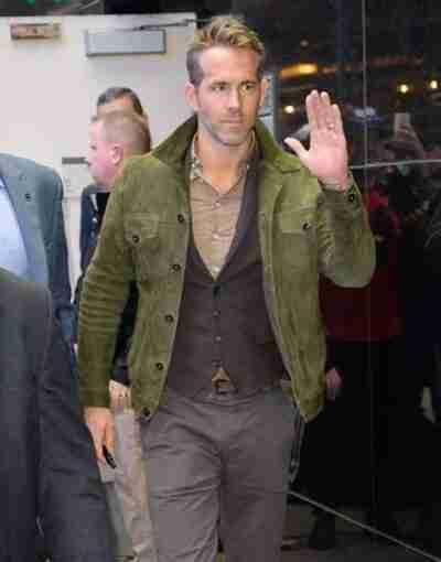 Red Notice Ryan Reynolds Green Jacket